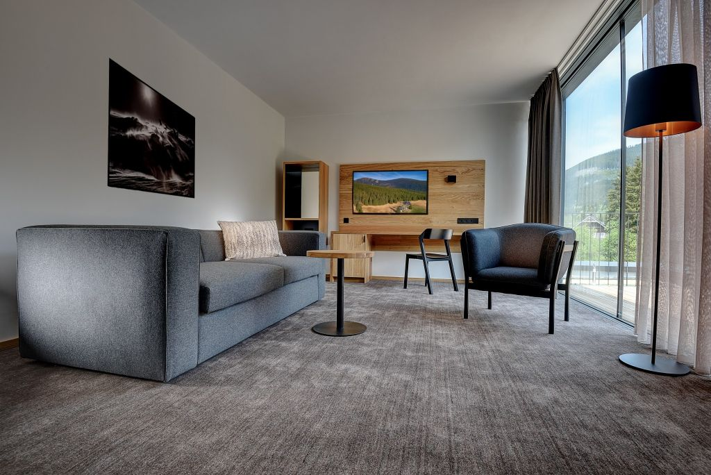 SUPERIOR SUITE S TERASOU
